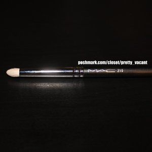 MAC 219 Brush (Natural Hair - Discontinued)